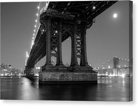 Black And White - Manhattan Bridge At Night Canvas Print