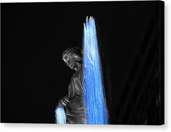 Blink Cincinnati - Tyler Davidson Fountain On Fountain Square Canvas Print