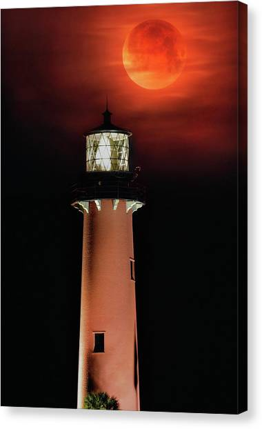 Blood Moon Rising Over Jupiter Lighthouse In Florida Canvas Print