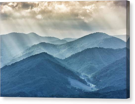 Blue Ridge Sunset Rays Canvas Print