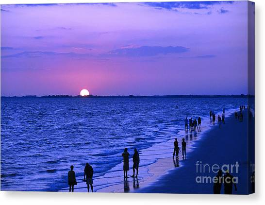 Blue Sunset On The Gulf Of Mexico At Fort Myers Beach In Florida Canvas Print