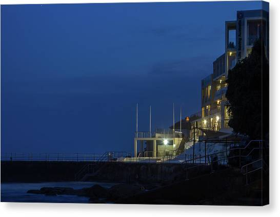 Bondi Beach Canvas Print