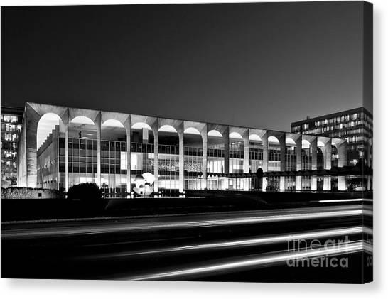 Brasilia - Itamaraty Palace - Black And White Canvas Print