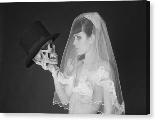 Bride And Groom Canvas Print by MAX Potega