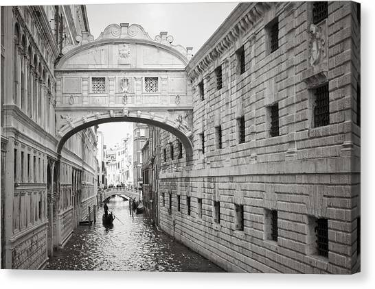 Bridge Of Sighs 5346-2 Canvas Print