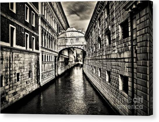 Bridge Of Sighs Canvas Print by Alessandro Giorgi Art Photography
