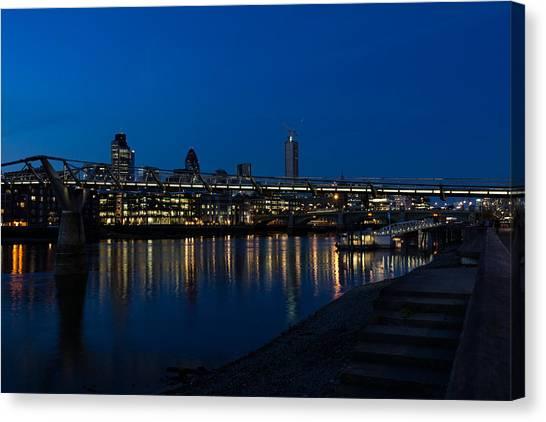British Symbols And Landmarks - Millennium Bridge And Thames River At Low Tide Canvas Print