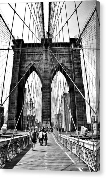 Brooklyn Bridge 2 Canvas Print by Andrew Dinh