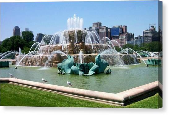 Buckingham Fountain Canvas Print