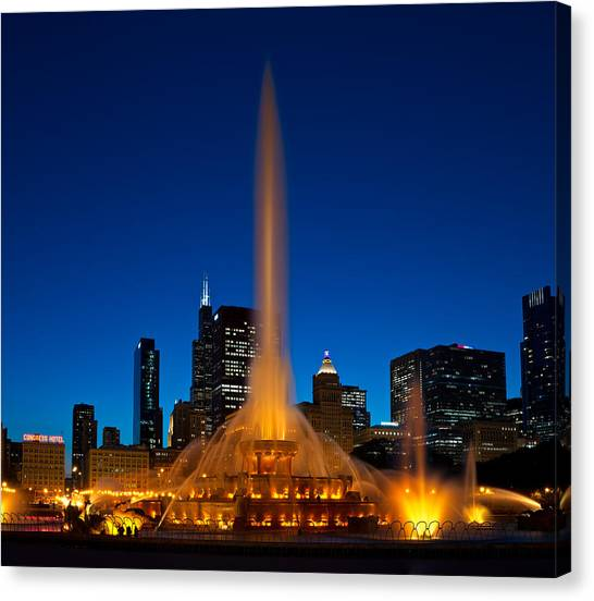 Illinois Canvas Print - Buckingham Fountain Nightlight Chicago by Steve Gadomski