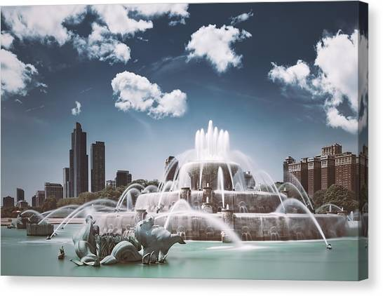University Of Illinois Canvas Print - Buckingham Fountain by Scott Norris