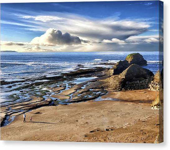 Bundoran Beach And Rougey Rocks Canvas Print