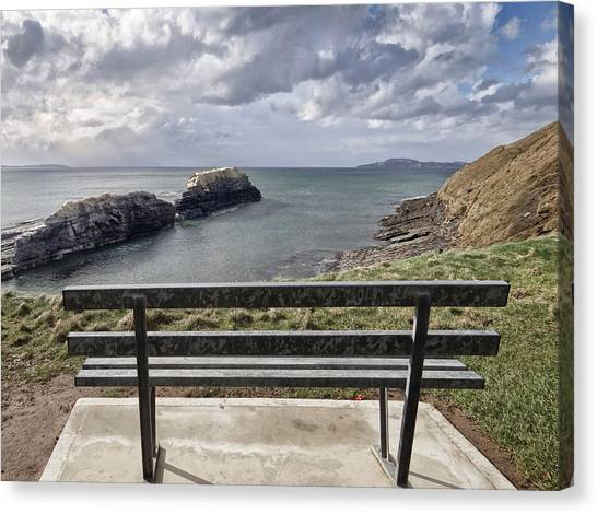 Bundoran - View Over The Diving Platform At Rougey Rocks Canvas Print