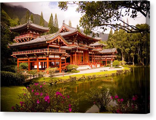 Byodo-in Temple Canvas Print