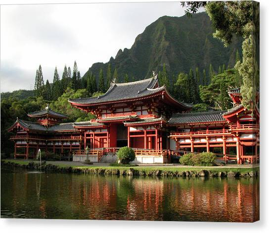 Canvas Print featuring the photograph Byodo-in Temple, Oahu, Hawaii by Mark Czerniec