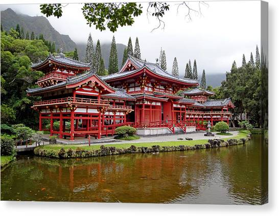 Byodo-in Temple Oahu Canvas Print
