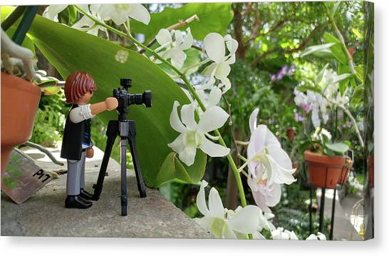 Camera People Come In All Sizes Canvas Print by Liza Eckardt