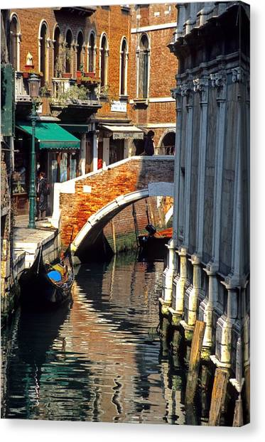 Canal Next To Church Of The Miracoli In Venice Canvas Print by Michael Henderson