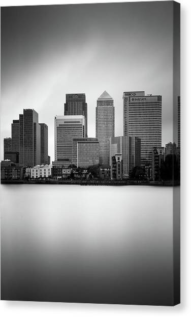 Canaries Canvas Print - Canary Wharf II, London by Ivo Kerssemakers