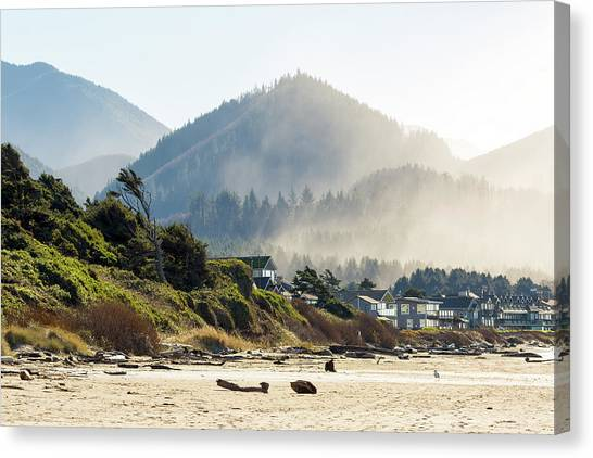 Canvas Print - Cannon Beach Oceanfront Vacation Homes by David Gn