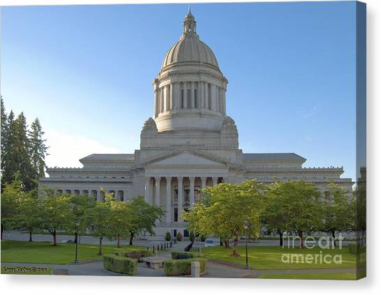 Capitol Building - East Side Canvas Print by Larry Keahey