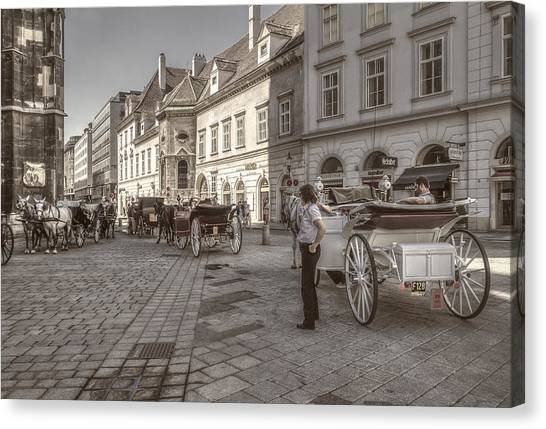 Carriages Back To Stephanplatz Canvas Print