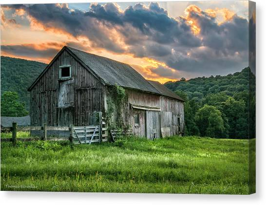 Casey's Barn Canvas Print
