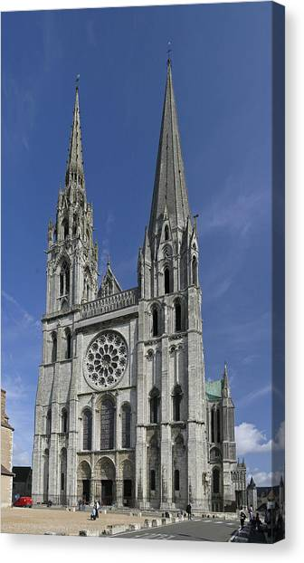 Cathedral Of Chartres Canvas Print by Gary Lobdell