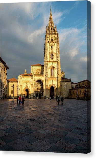 Canvas Print - Cathedral Of Oviedo by Ric Schafer