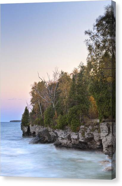 Cave Point  Canvas Print by Richard Steinberger