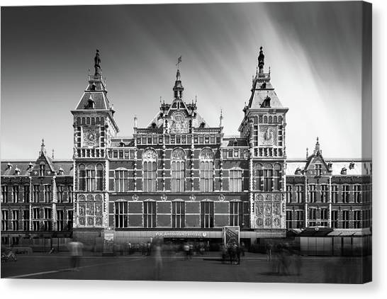 Holland Canvas Print - Central Station by Ivo Kerssemakers
