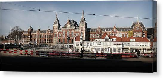 Canvas Print featuring the photograph Central Train Station by Scott Hovind