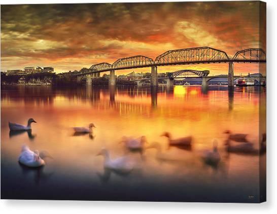 Chattanooga Sunset With Ducks Canvas Print
