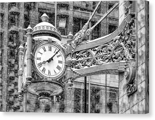Chicago Marshall Field State Street Clock Black And White Canvas Print