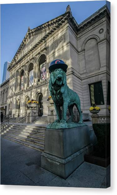 Chicago's Art Institute With Cubs Hat Canvas Print
