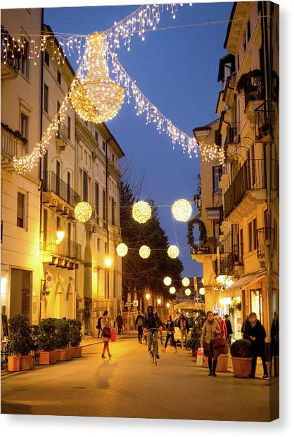 Christmas In Vicenza Italy Canvas Print