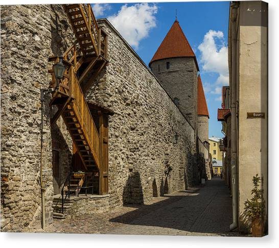Sightseeing Canvas Print - City Wall by Capt Gerry Hare