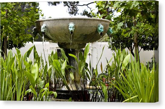 J Paul Getty Canvas Print - Civit Head Fountain Getty Villa Malibu California by Teresa Mucha