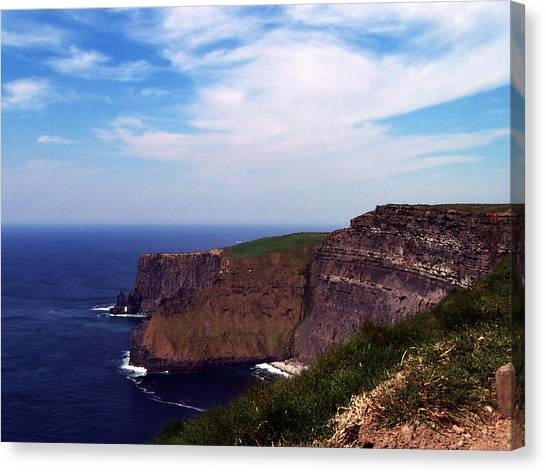 Cliffs Of Moher Aill Na Searrach Ireland Canvas Print