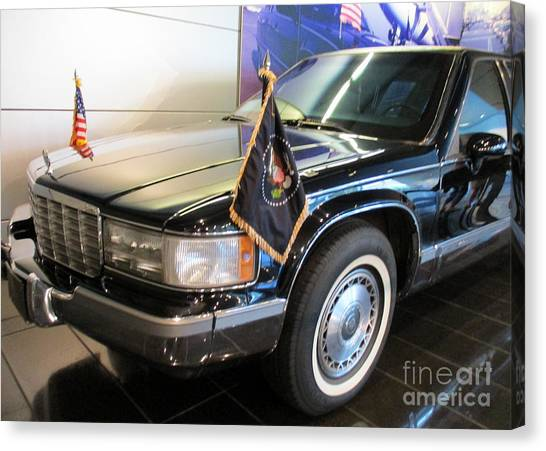 Bill Clinton Canvas Print - Clinton Presidential Limo by Randall Weidner