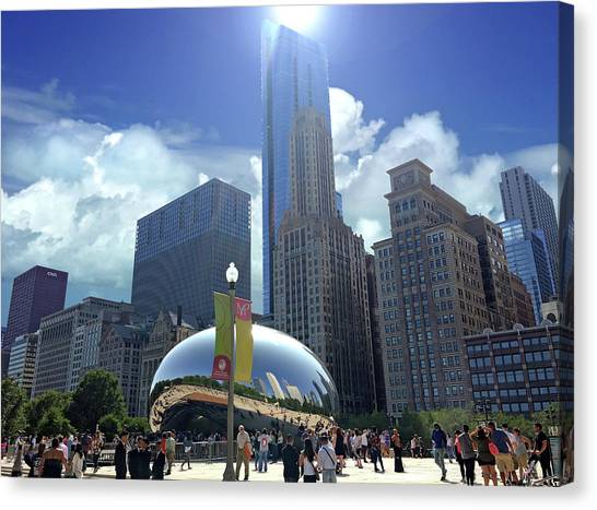 Cloud Gate In Chicago Canvas Print