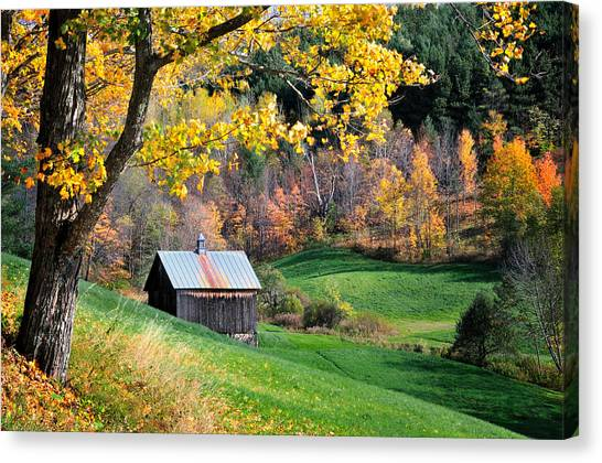 Cloudland Rustic Barn - Pomfret Vermont Canvas Print