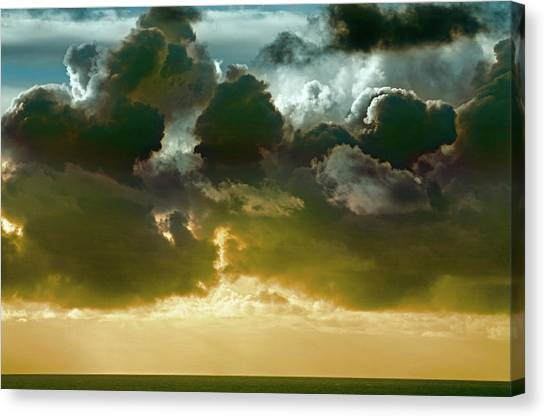 Canvas Print - Clouds Over El Pacifico by Daniel Furon