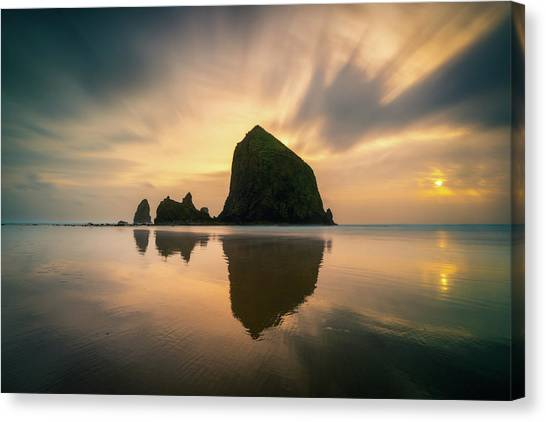 Cloudy Sunset At Cannon Beach Canvas Print
