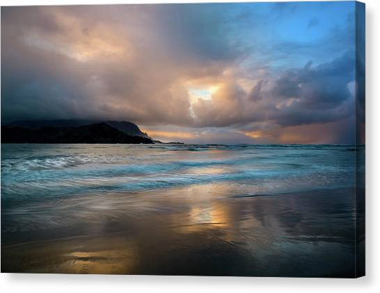 Cloudy Sunset At Hanalei Bay Canvas Print
