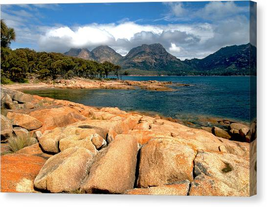 Coles Bay Canvas Print by Vern Minard