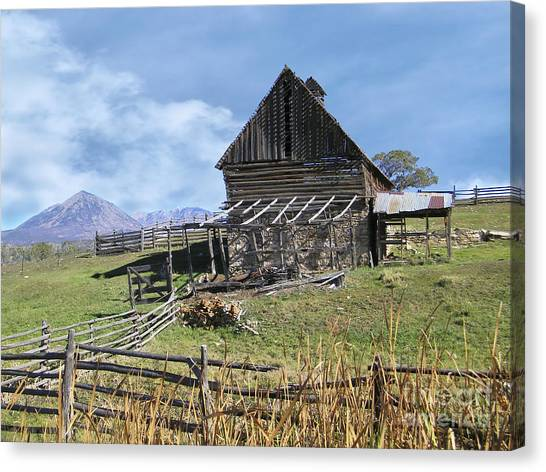 Colorado Rocky Mountain Vintage Barn   Canvas Print