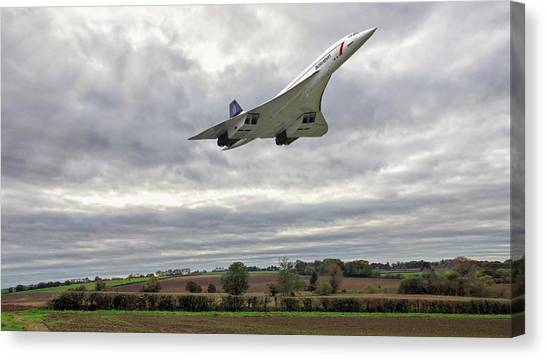Canvas Print featuring the photograph Concorde - High Speed Pass_2 by Paul Gulliver