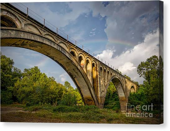 Canvas Print featuring the photograph Confederate Rainbow At Bovina by T Lowry Wilson