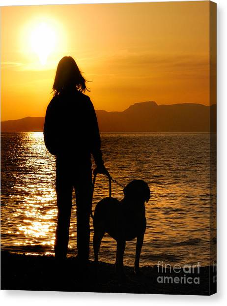 Contemporaneous Moment - Friends Sharing A Sunset Canvas Print